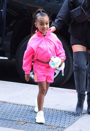 North West spottet i glimtende Saks Potts outfit